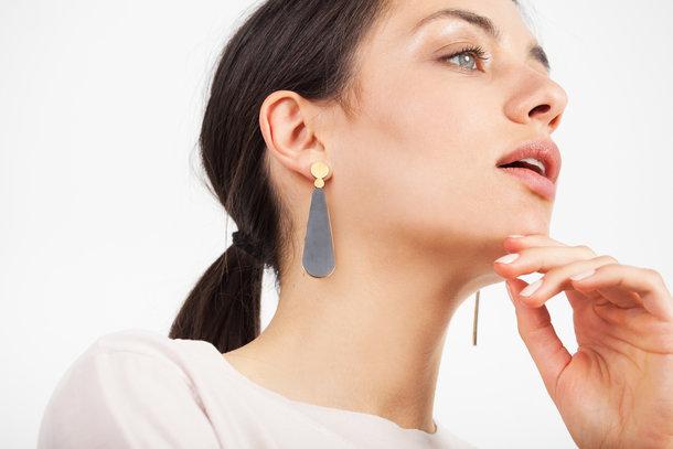 LACRIMA golden EARRINGS